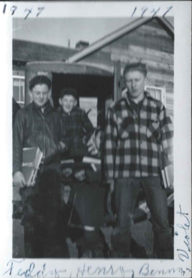 Left to right: Henry, Benny, Violet, Teddy. Names were written on the photo in birth order.
