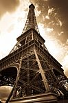 vintage-eiffel-tower-10036226