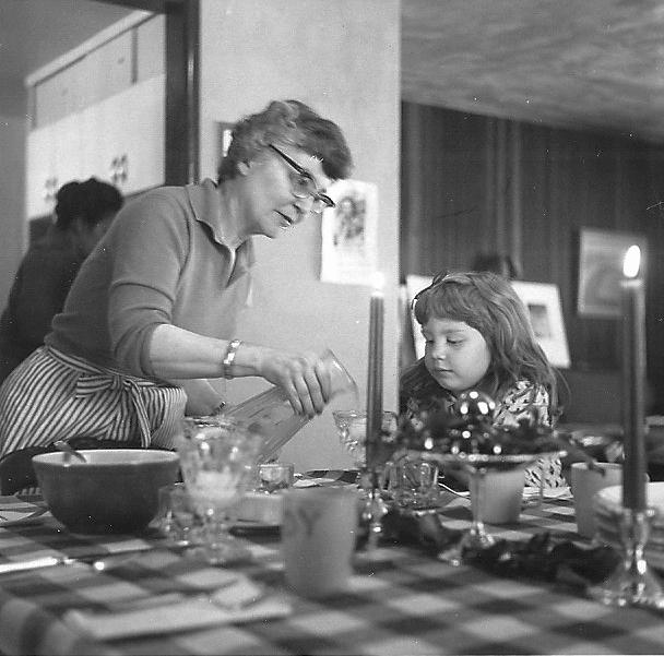 1960-ish-thanksgiving-flosh-betsy